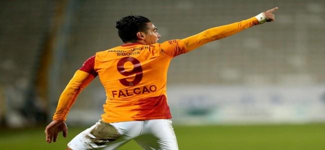 Galatasaraylı Falcao, 63 gün sonra formasına kavuştu