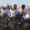 Senegalli çocuklar eşeklerini yarıştırdı