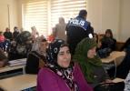 Gülabibey Mahallesinde Bilgilendirme Toplantısı Yapıldı