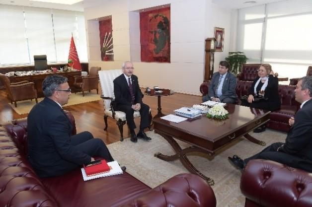 Kılıçdaroğlu, Harp Malulü Gaziler, Şehit, Dul Ve Yetimleri Derneği Genel Başkanı İle Görüştü